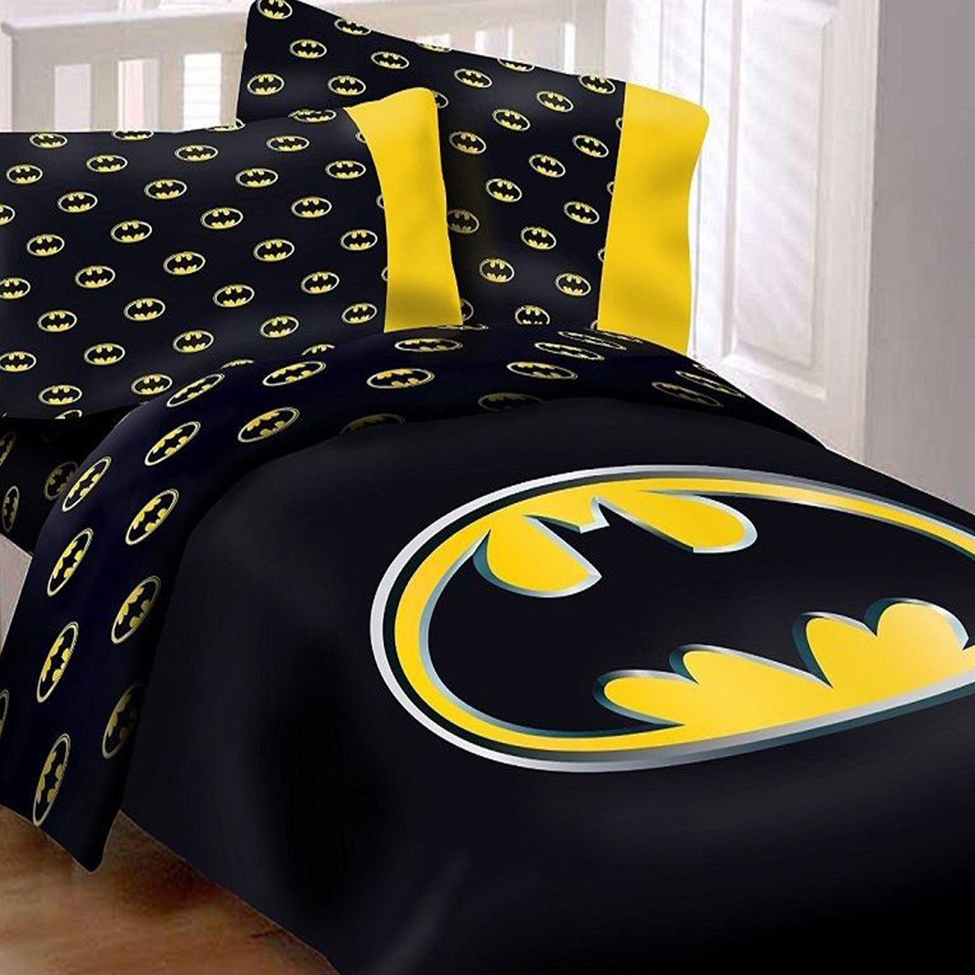 Batman Queen Comforter Set w/ 2 Pillow Cases