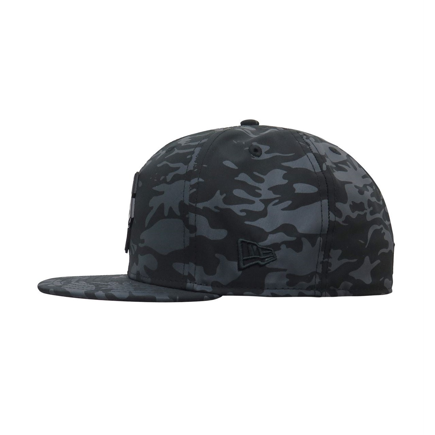 Black Panther Metal Badge with Camo 59Fifty Fitted Hat