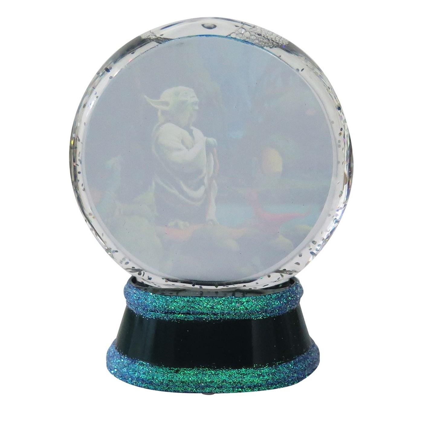Star Wars Yoda Snow Globe