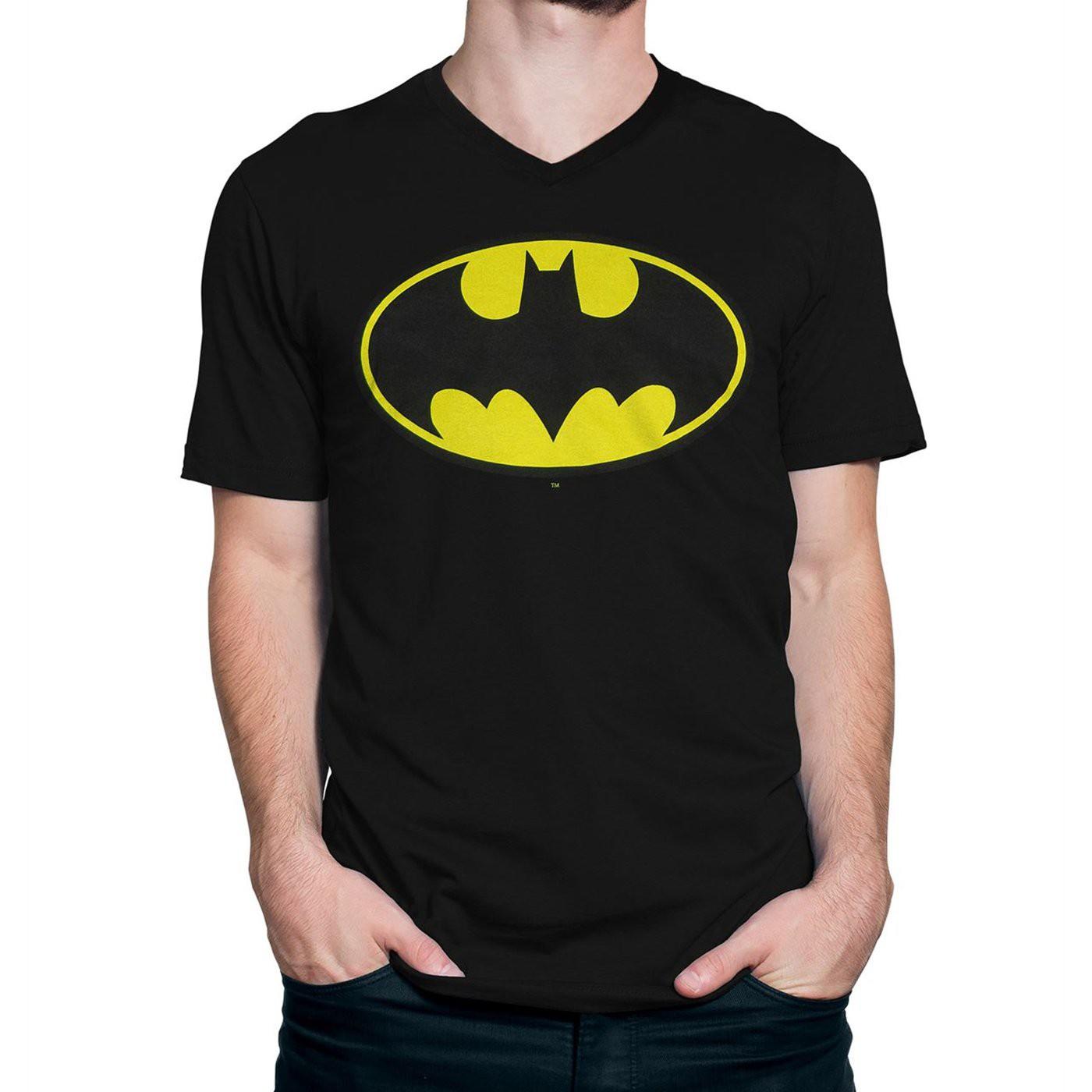 Batman Traditional Symbol Men's V-Neck T-Shirt