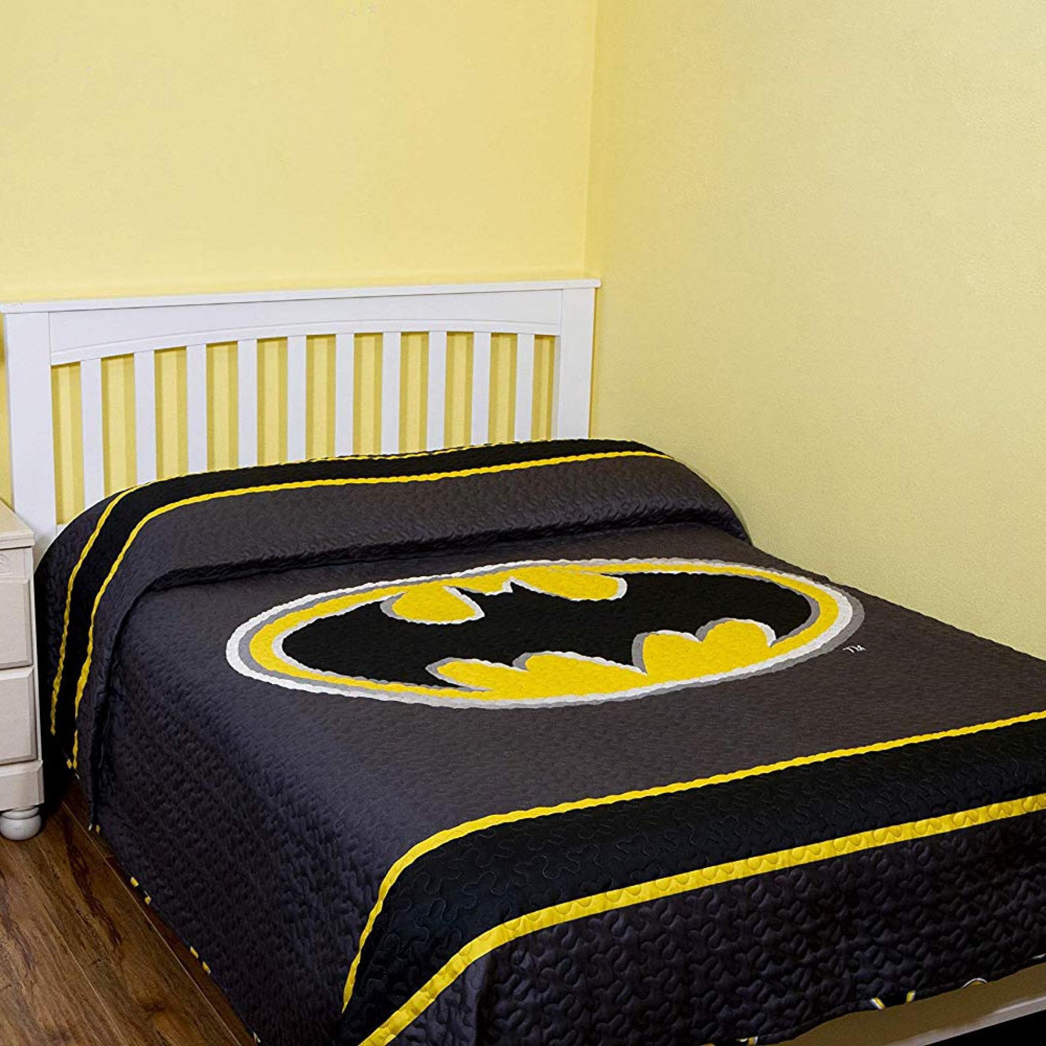 Batman Emblem Grey Queen Size Bedspread