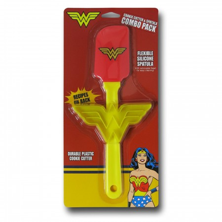Wonder Woman Spatula and Cookie Cutter Pack